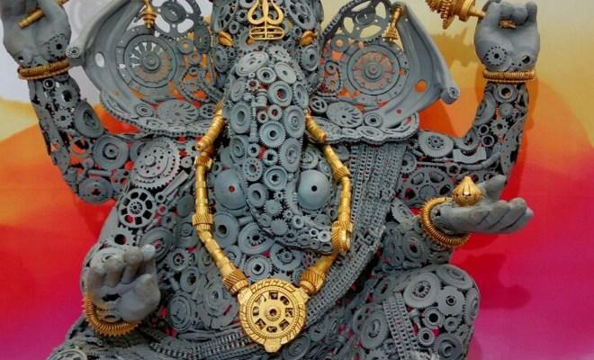 Sudhakaran sculpts C(h)arbhujadhari