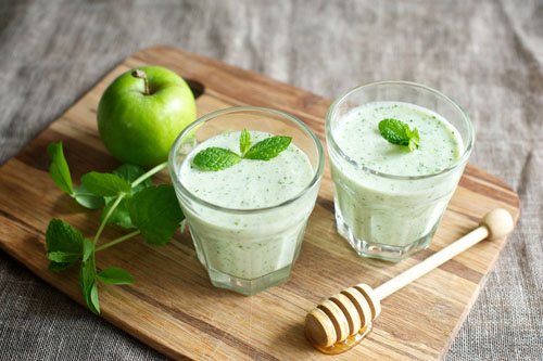 Steve's Leaves Pea, Mint and Apple Smoothie rs