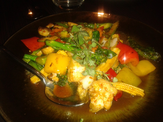 Stir - fried mixed vegetables in a spicy chilli and basil sauce