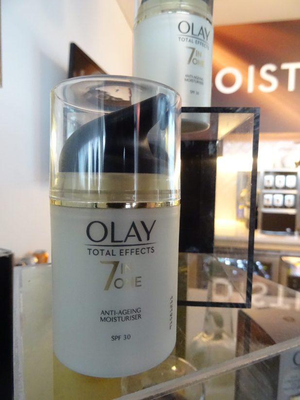 www.lifeandsoullifestyle.com – Olay skincare review