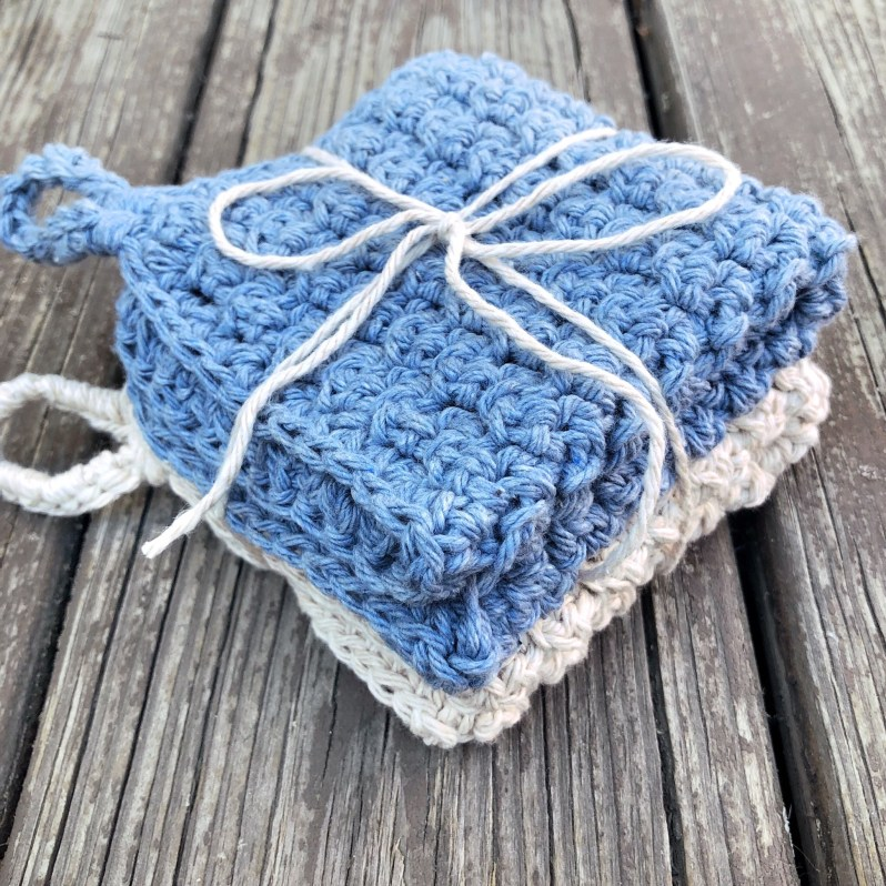 Make these crochet washcloths using this free pattern!