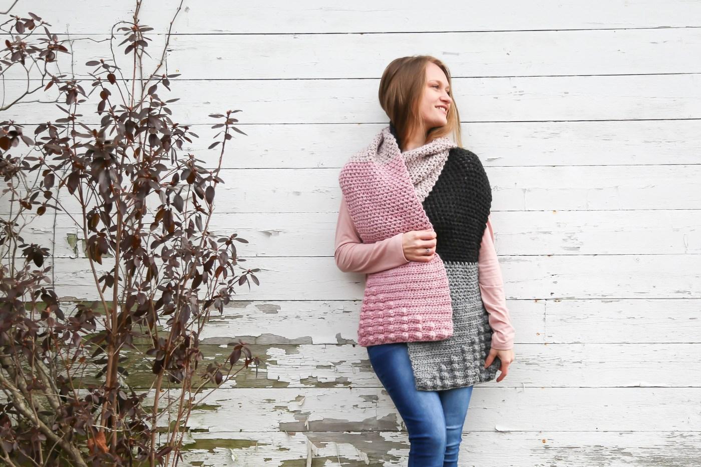 Color blocked crochet scarf