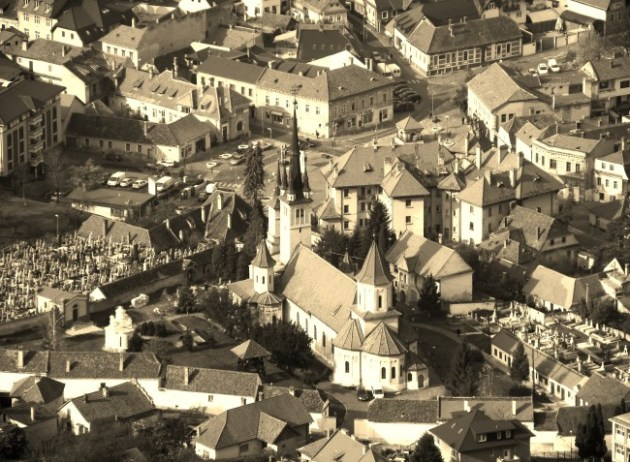 The city of Brasov and its cathedral.