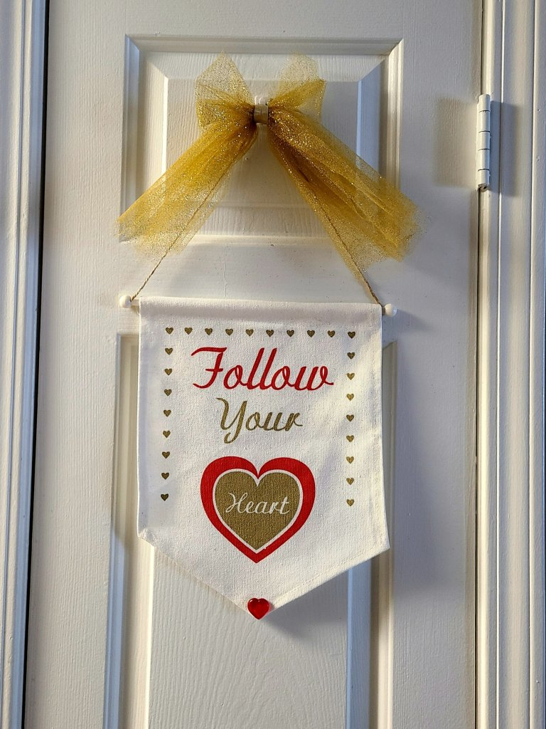 Valentine's Day wall hanging