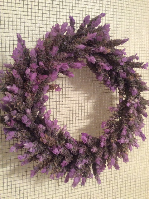 happiness-is-homemade-lavendar-wreath
