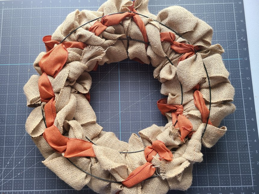 Showing how the back of the burlap wreath should look.