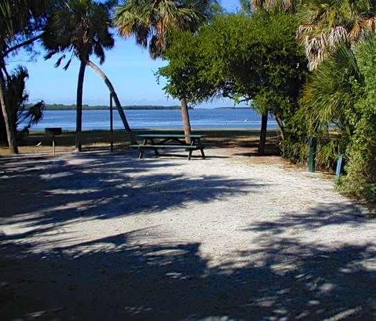 beach-camping-LAM