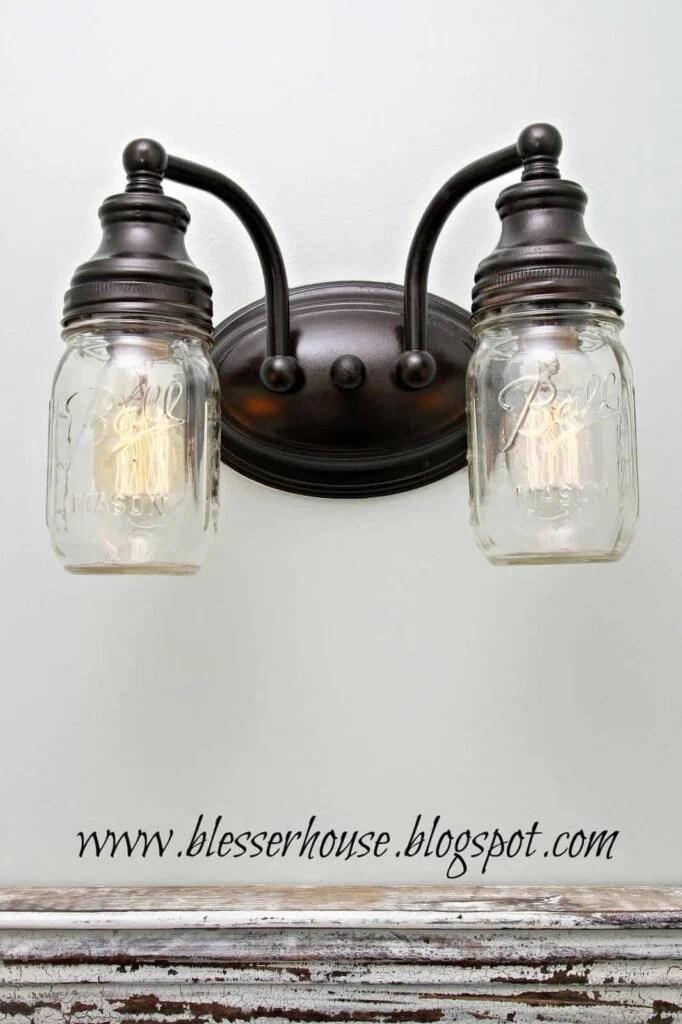 mason-jar-bathroom-light11