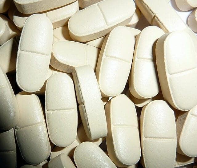pills-530372_640