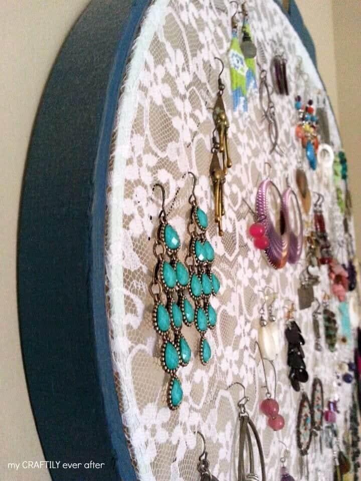 lace-hoop-earring-display