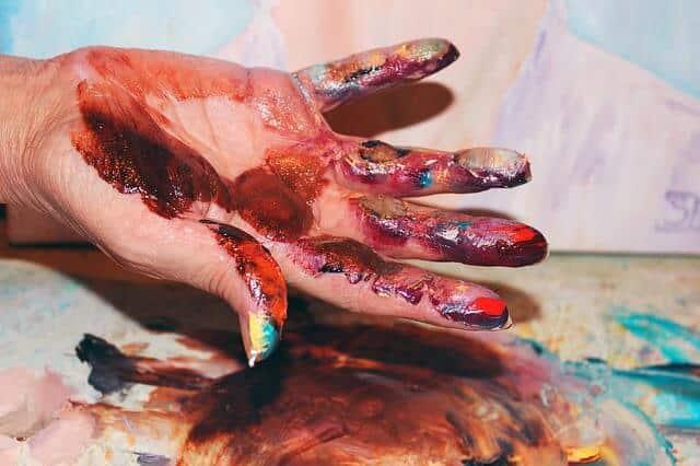 hand-643830_640