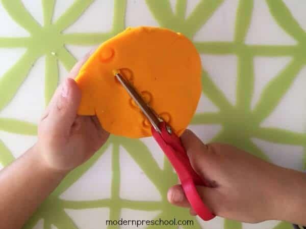 play-dough-scissor-skills-5