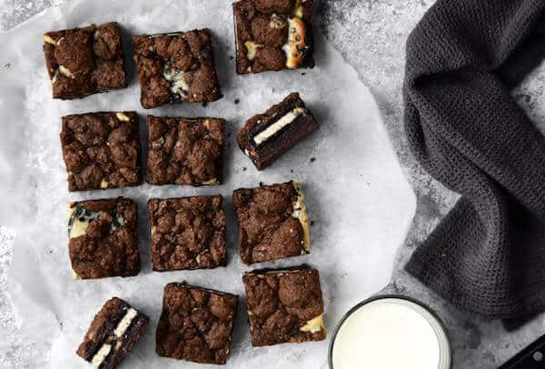 Cookies-Cream-Cheesecake-Brownie-Bars-10