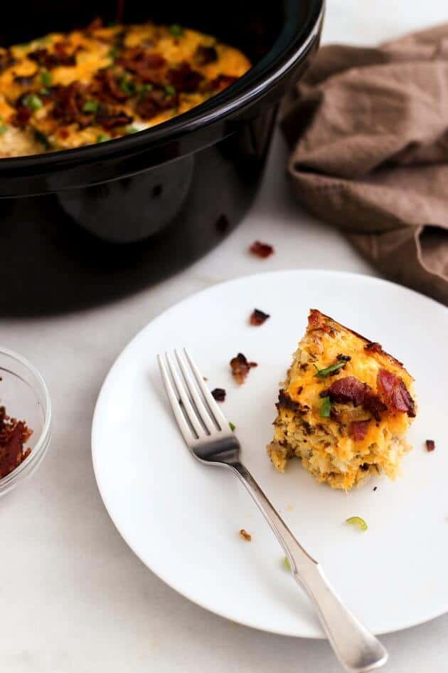 Slow-Cooker-Bacon-Egg-Hashbrown-Casserole-5