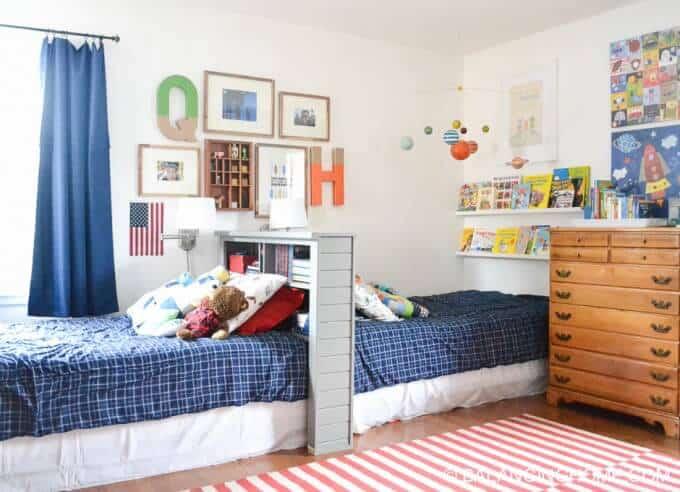 shared-boys-bedroom-16-680x492