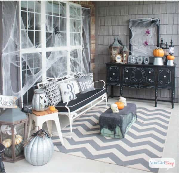 pinnable-halloween-decorating-ideas-for-porch