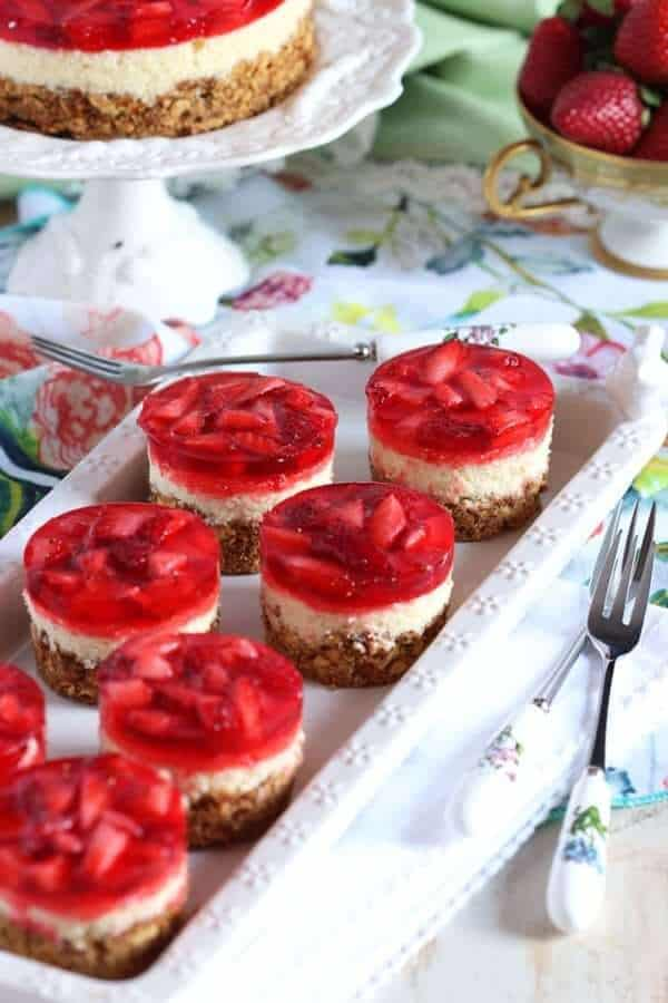 strawberry pretzel salad mini cheesecake