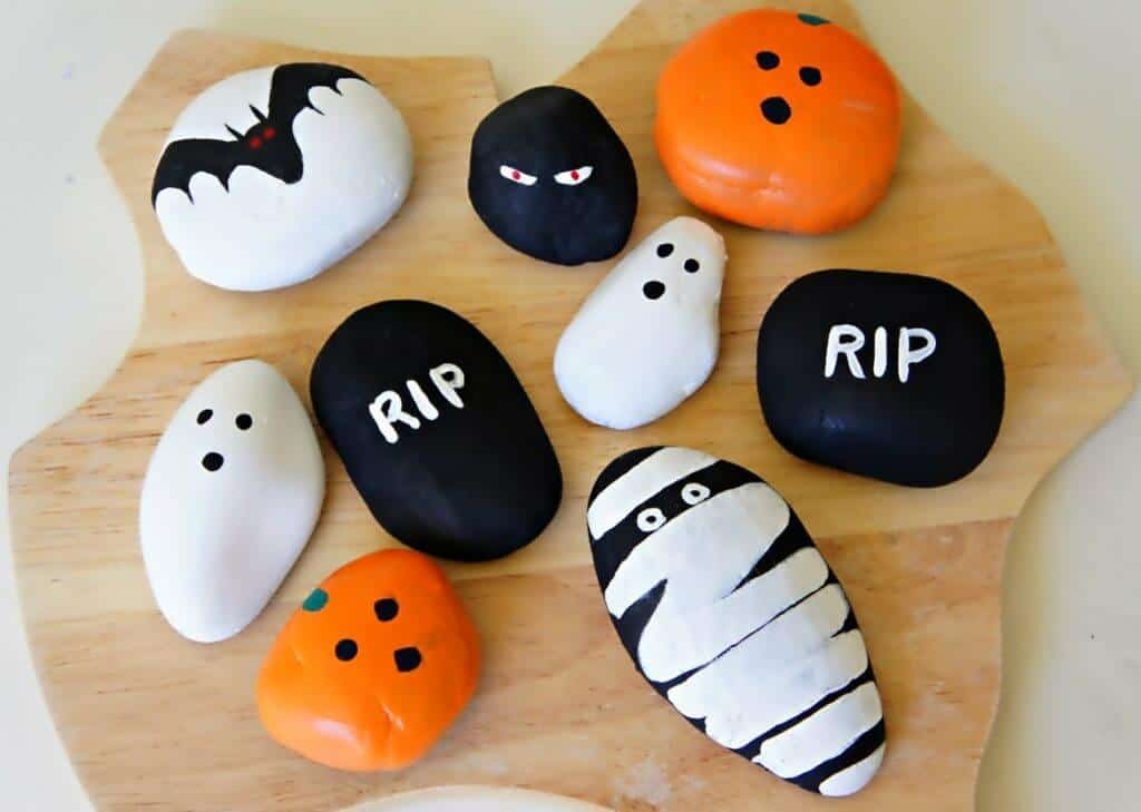 I want to use rigid styrofoam insulation panels to create walls for my haunted house. Easy Halloween Painted Rock Ideas For Kids