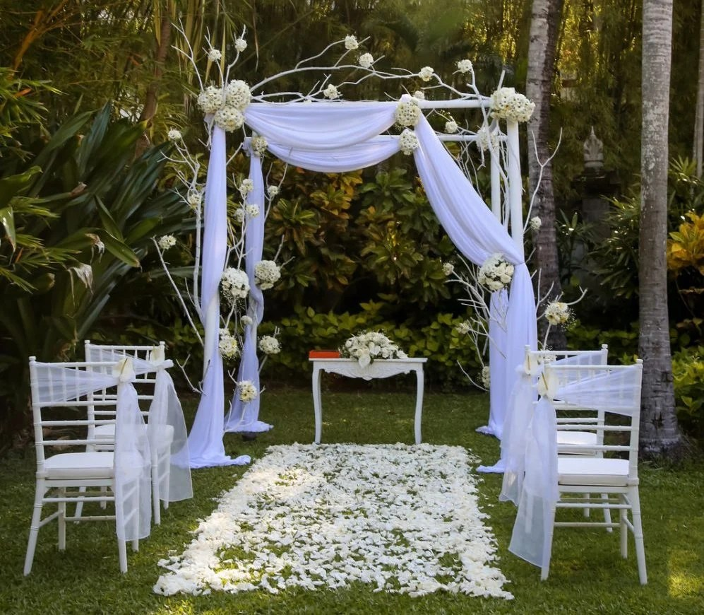 Beautiful wedding set up in the garden