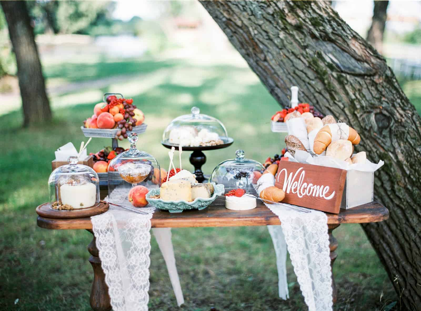 Canva - Wedding Table