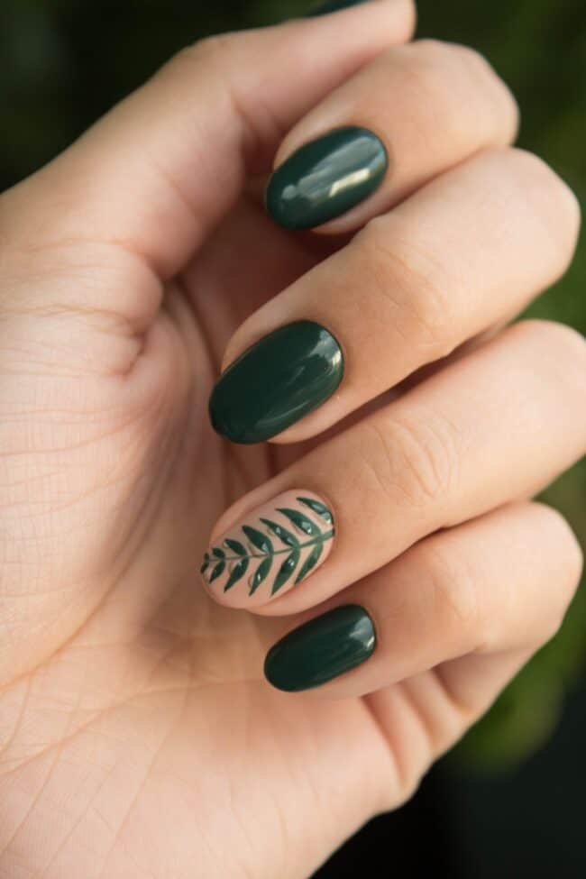 green fall nails