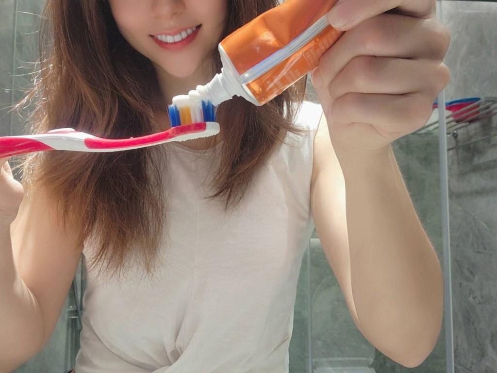 專家建議:選擇符合U字型設計並養成正確的刷牙習慣,維持日常口腔保健