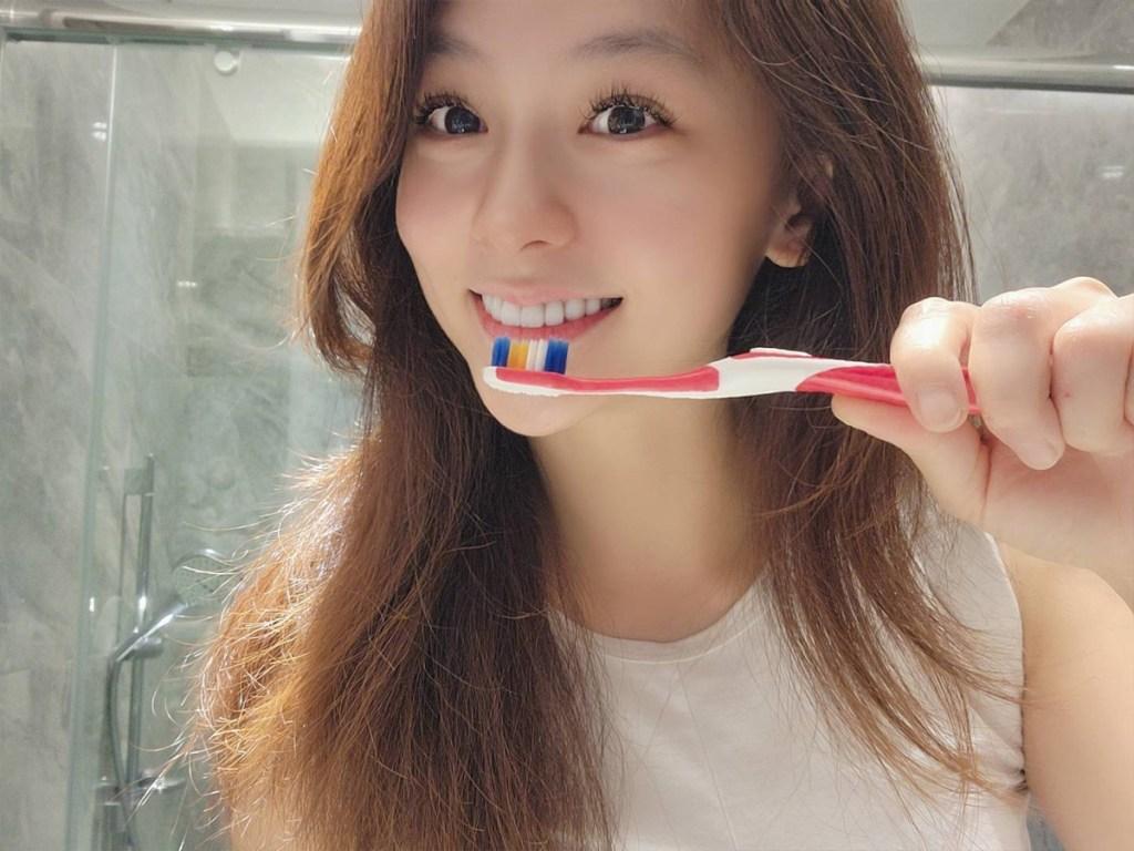 長時間戴口罩,徹底清潔牙齒是提升自我保護力的重要基本功