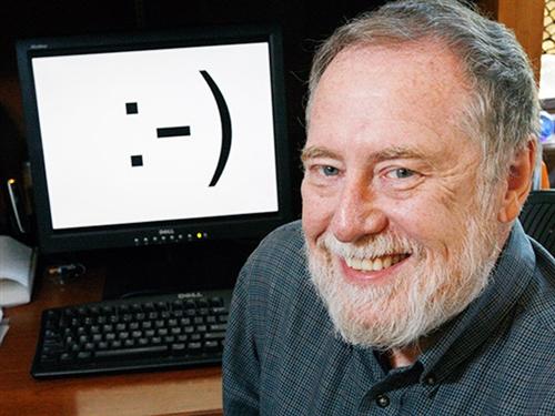 Scott Fahlman penemu smiley