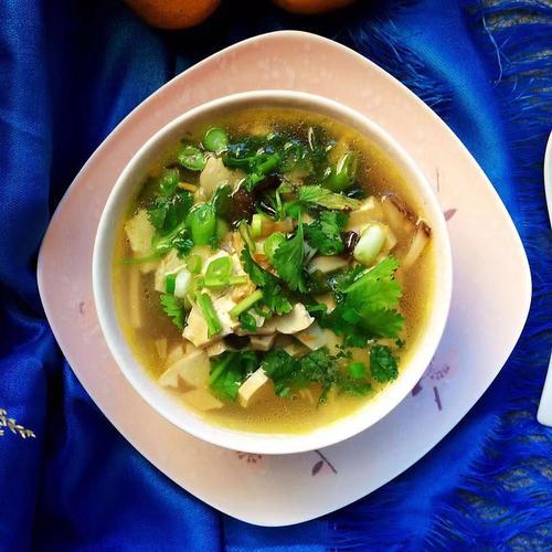 香菇黃花豆乾湯水,改善睡眠質量