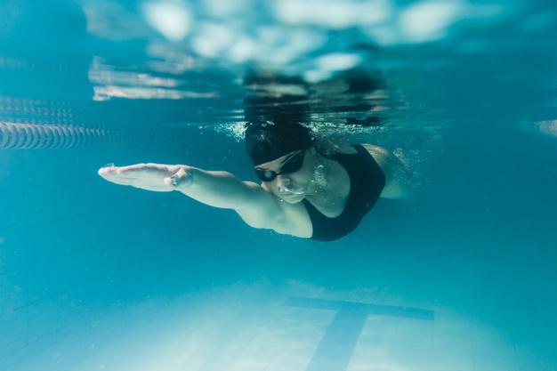 「游泳」的3個好處和3個風險