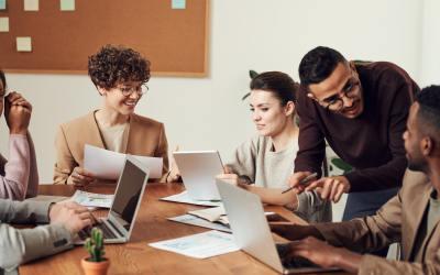 Aumenta la motivación de tus colaboradores con este modelo organizacional 😎