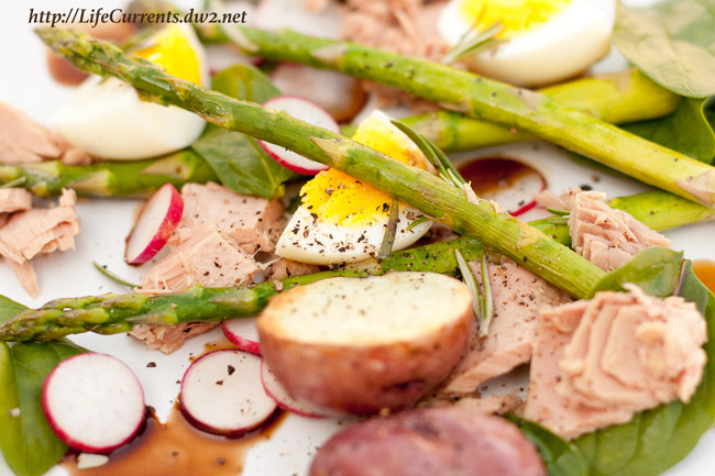 Tuna, asparagus, red potato, and hard-cooked egg with sweet and soy dressing is a wonderful fancy dinner that's really easy to make!