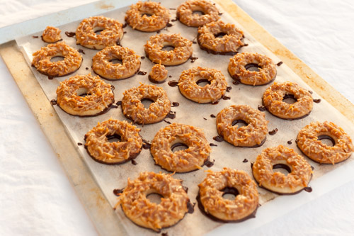 cookie tray Tropical Pacific Cookies (aka homemade Girl Scout Samoas or caramel delights) Life Currents #copycat #homemade #cookies #girlscouts