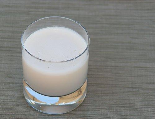 Vanilla Cashew Milk and Oat Milk... alternatives to dairy milk