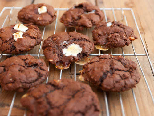 chocolate cookies with pecans and marshmallows