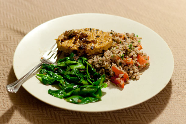 rice pilaf, sauteed spinach, chicken with caramelized onions