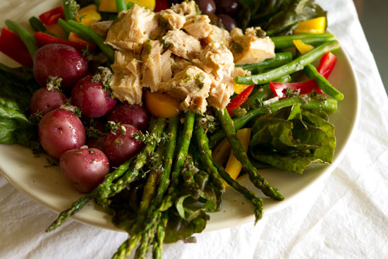 Island Trollers Albacore Tuna Niçoise Salad https://lifecurrentsblog.com Life Currents #albacore #tuna #salad healthy light yummy French