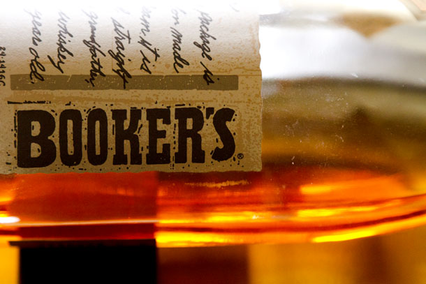 bookers bourbon A recipe for Chai Tea concentrate as well as a recipe for a Dirty Chai Bourbon Cocktail Life Currents https://lifecurrentsblog.com #chaiTea #cocktail #drink
