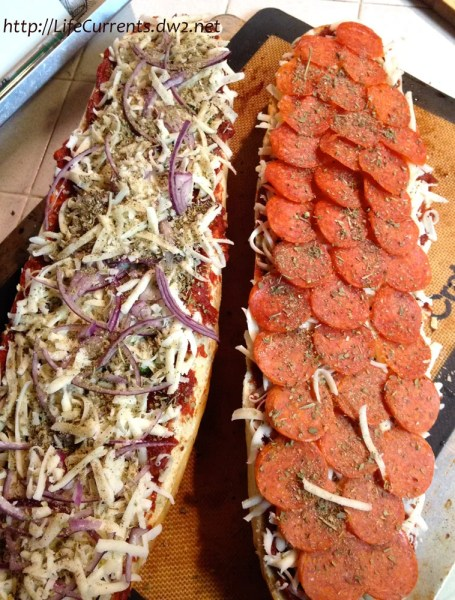 Homemade French Bread Pizza | Life Currents https://lifecurrentsblog.com Homemade French Bread Pizza | Life Currents https://lifecurrentsblog.com I'm pretty sure that, just as I could eat tacos for any meal and everyday, my husband could eat pizza for any meal and everyday. So, you can imagine that we eat pizza pretty often around here. Here's a quick and easy answer for making your own pizza at home. #pizza #easy #recipe