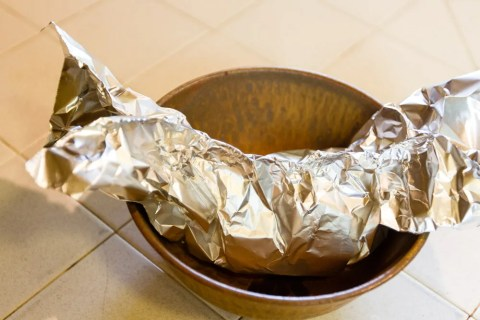 Shrimp and Scallop Boil in Foil Packets | Life Currents https://lifecurrentsblog.com This Shrimp and Scallop Boil in Foil Packets is something we've been playing around with all summer. It makes an easy going dinner party that everyone loves!