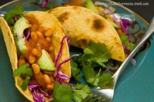 White Bean Potato Tacos | Life Currents https://lifecurrentsblog.com