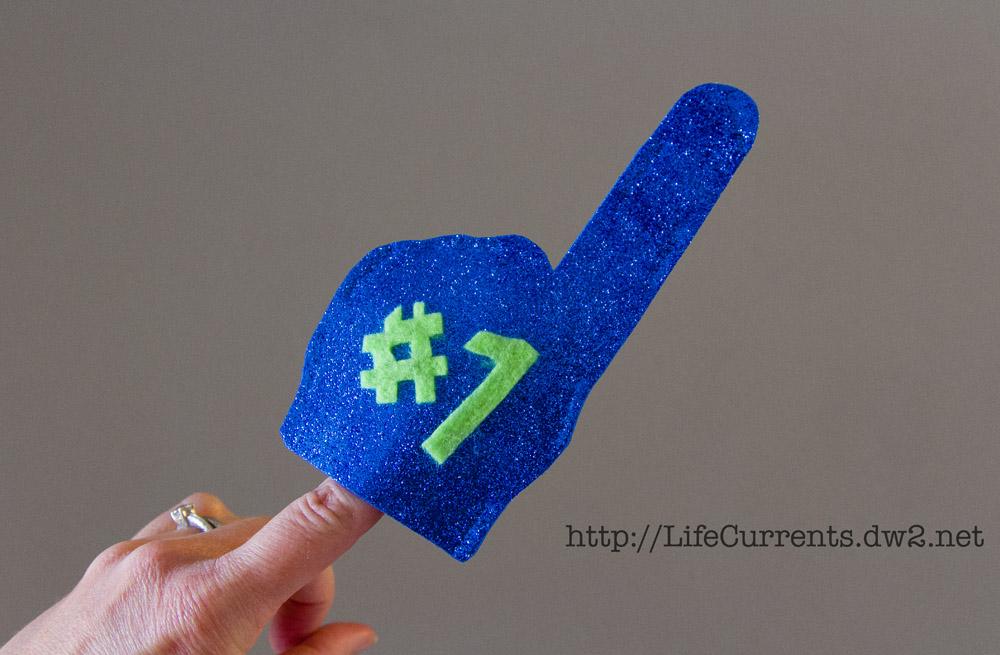 DIY Glitter Foam Finger tutorial | Life Currents