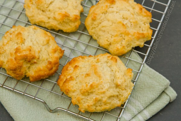 Fresh Buttermilk Biscuits | Life Currents #biscuits #homemade #buttermilk #unprocessed #fresh