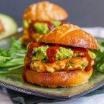 Corn Fritter Sliders with Avocado and Enchilada Sauce on Pretzel Buns | Life Currents http://lifecurrentsblog.com