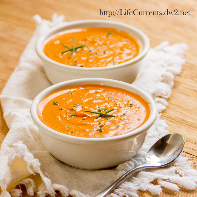 Tomato Parmesan Slow Cooker Soup | Life Currents vegetarian crock pot https://lifecurrentsblog.com