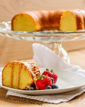 Almond Cake with coconut Butter Drizzle by Life Currents https://lifecurrentsblog.com