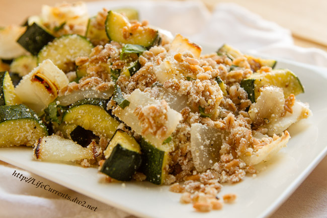 Farro with Grilled Zucchini Ricotta Salata and Basil is a great summer side dish with lots of flavor and veggie goodness by Life Currents https://lifecurrentsblog.com