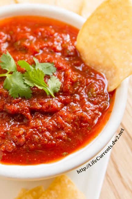 Easy Restaurant Style Salsa is made with canned crushed tomatoes so it's super easy to whip together https://lifecurrentsblog.com