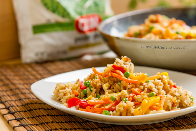 Vegetable Fried Rice by Life Currents https://lifecurrentsblog.com Healthy meals for kids healthy meal recipes easy meals with vegetables quick meals with vegetables #premiumveggies #Pmedia #ad