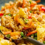 Vegetable Fried Rice is a super quick veggie filled meal that your family will love! By Life Currents https://lifecurrentsblog.com